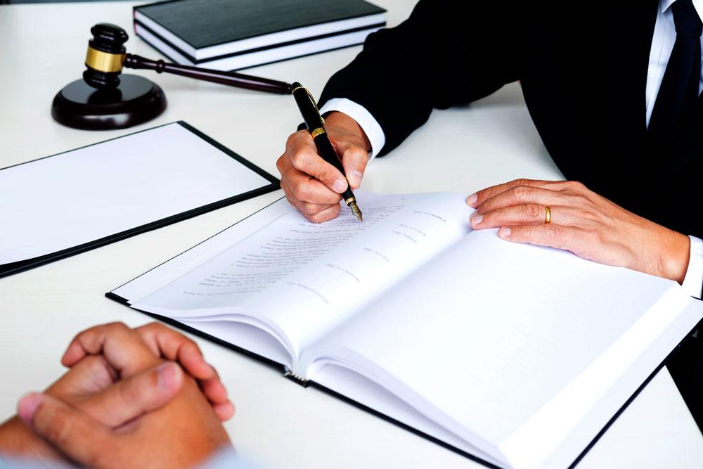 Anulan en navarra el primer acuerdo firmado entre un for Abogados para reclamar clausula suelo